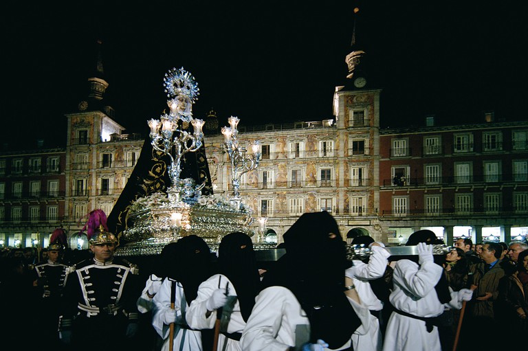 Processions through the Plaza Mayor during Easter season | © PromoMadrid, author Max Alexander/Flickr