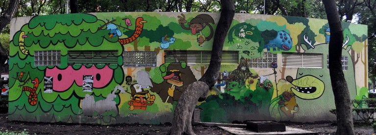 Green-hued street art | © katiebordner/Flickr