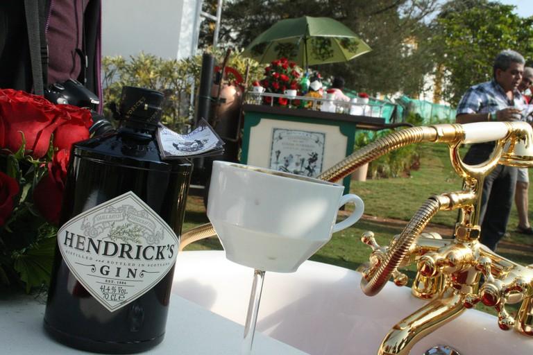 Hendrick's and Teacup | © Shashank Mehrotra/Flickr