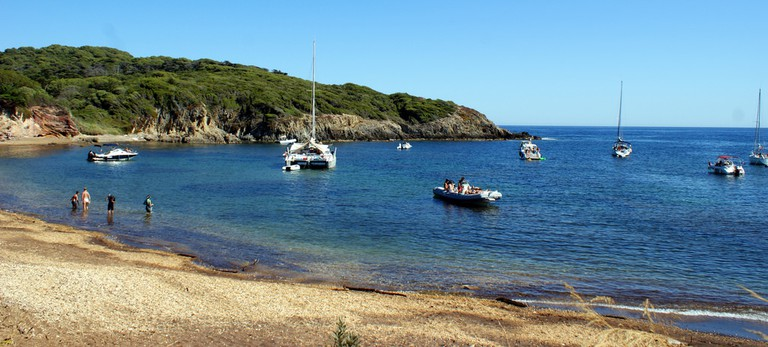 One of the many beautiful bays in Porquerolles   © Olivier Duquesne/flickr