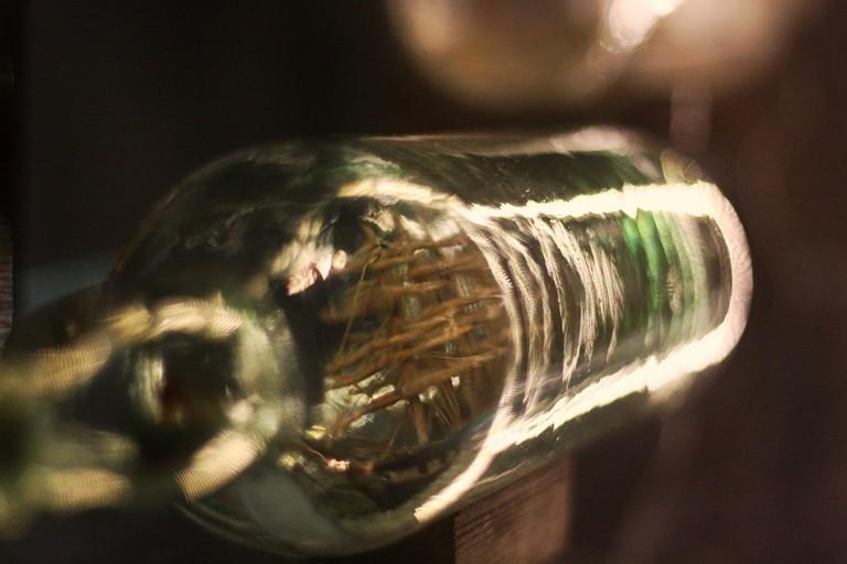 Ship in a bottle|© Blondinrikard Fröberg/FlickR