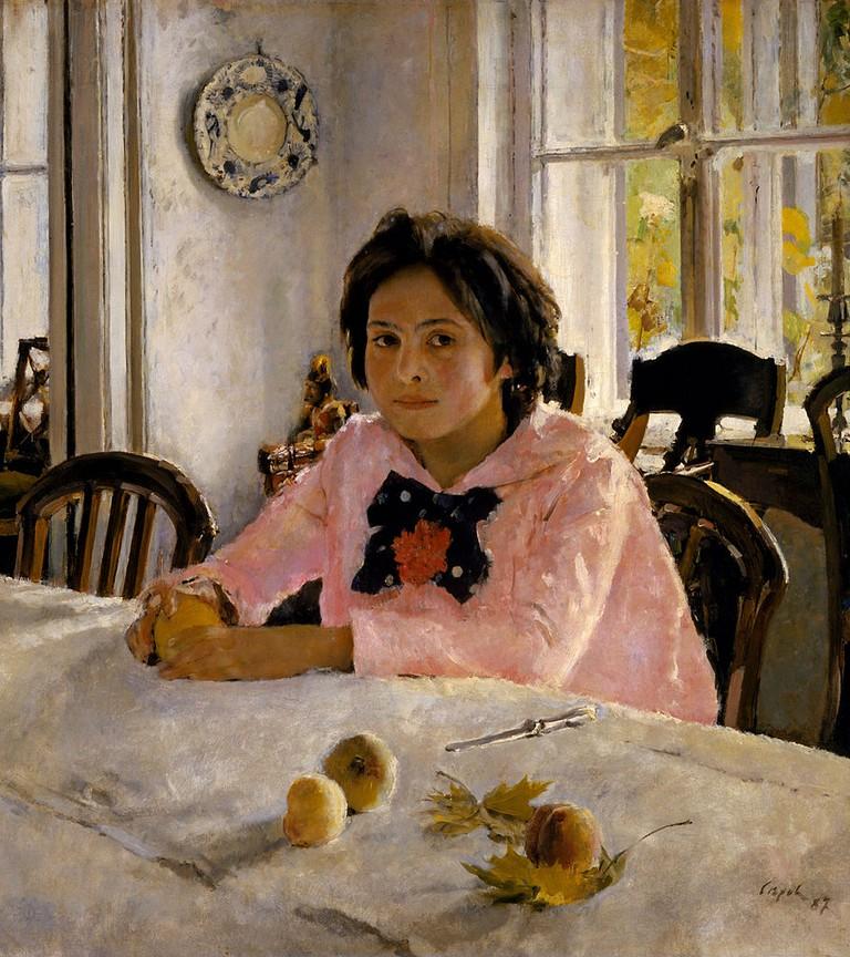 Girl with Peaches | © Valentin Alexandrovich Serov/ Wikimedia Commons