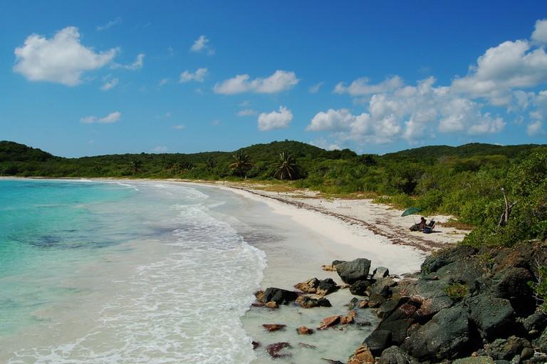 A beach in Vieques | © Mark Donoher/ Flickr