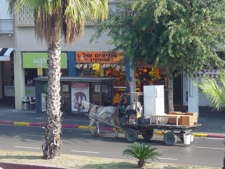 Horse and cart second hand shop - aka the altezahen - in Tel Aviv | Padraic, Flickr