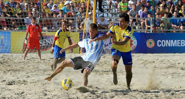 Beach Football © Agencia de Noticias ANDES/ Wikimedia CC