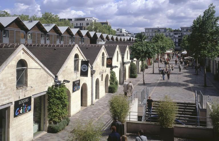 Bercy Village │ © André Morin, Courtesy of Valode & Pistre Architectes