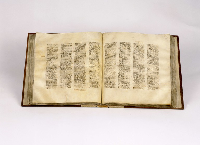 Codex Sinaiticus open at John chapter 5 | © British Library