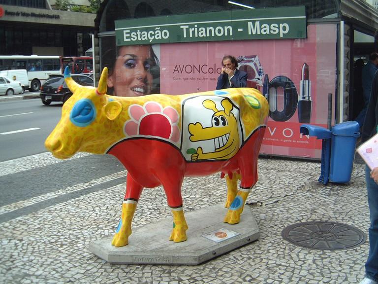 Cow Parade painted by Rui Amaral © Fabricio Zuardi/Flickr