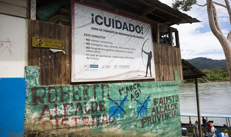 Atalaya sign that warned outsiders about making contact with isolated natives. |©Manuel Orbegozo
