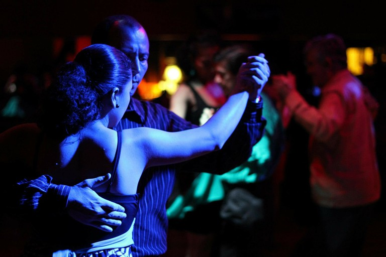 Check out a local club to try a samba lesson / Pixabay
