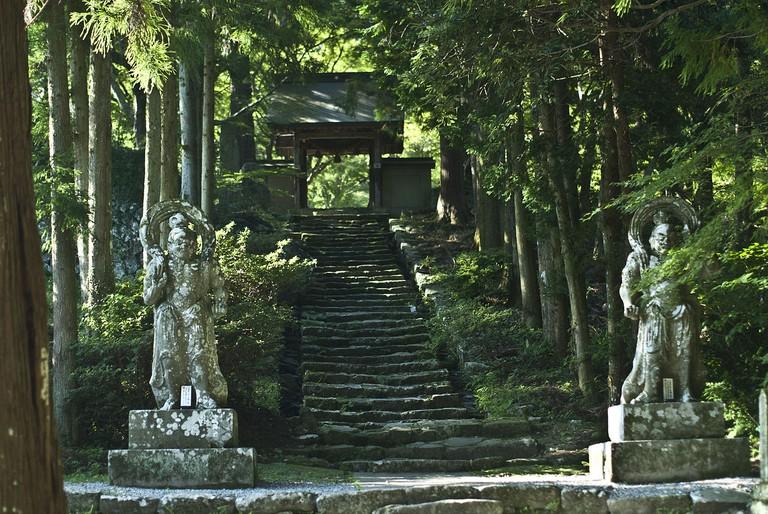 Stone Niō Guardian Statues at the entrance to Futago-ji Temple