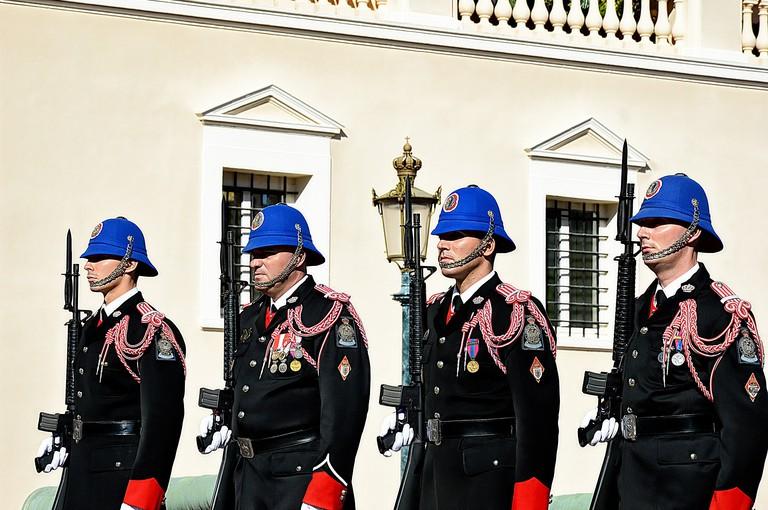 Changing of the Guard | © lecreusois / Pixabay