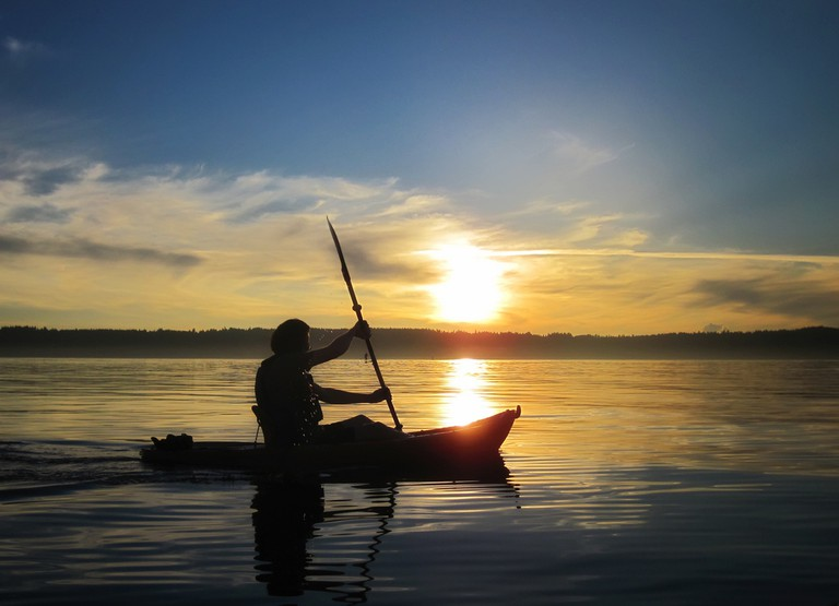 Kayaking at sunset | © Ingrid Taylar/ Flickr