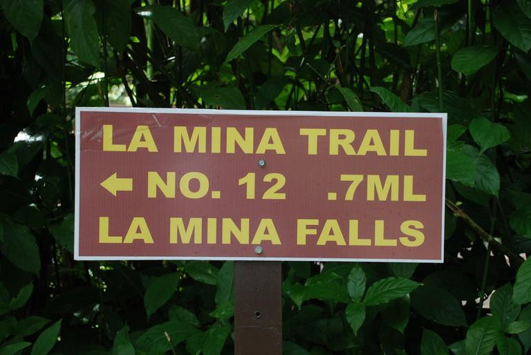 La Mina sign at El Yunque | © BluEyedA73/ Flickr
