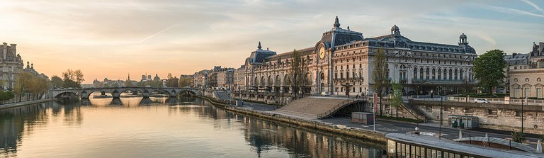 Musée d'Orsay and the Seine │© Daniel Vorndran / DXR / Wikimedia Commons