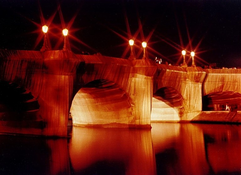 Pont Neuf wrapped by Christo   © Airair/WikiCommons