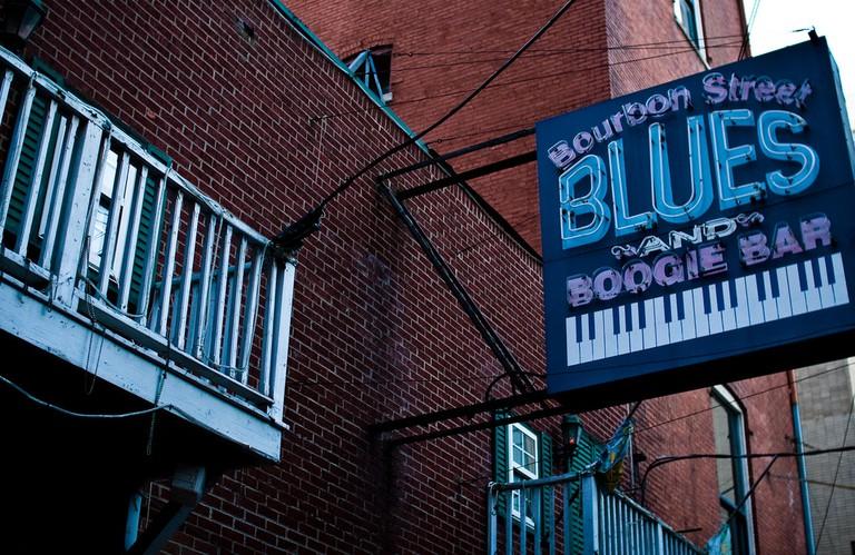 Bourbon Street Blues and Boogie Bar / (c) daveoratox / Flickr