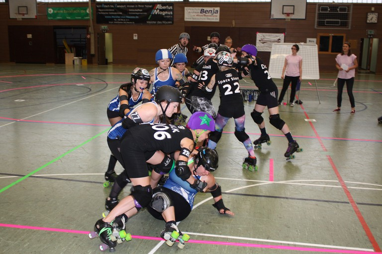 Roller derby bout © Munich Rolling Rebels