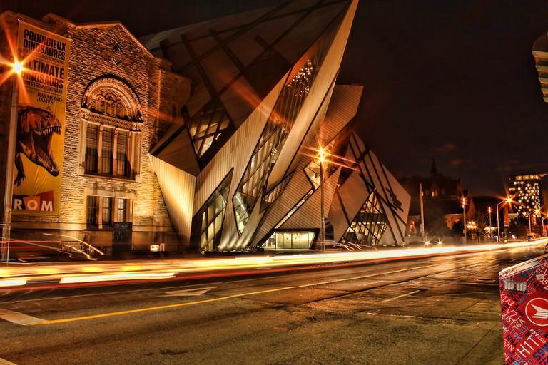 The Royal Ontario Museum at night   © Umair Khan/ Flickr