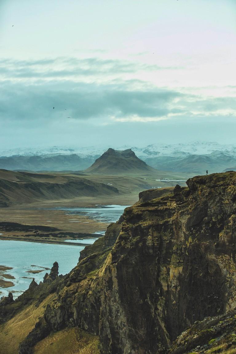 Landscape   © Kenneth Nguyen