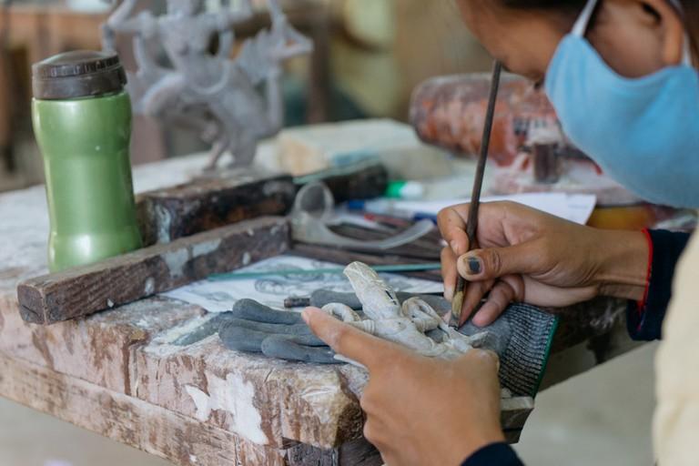 ARTISANS-ANGKOR WAT-SIEMREAP-CAMBODIA
