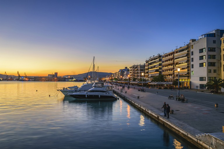 Sunset at the port of Volos city   © Kotsovolos Panagiotis / Shutterstock