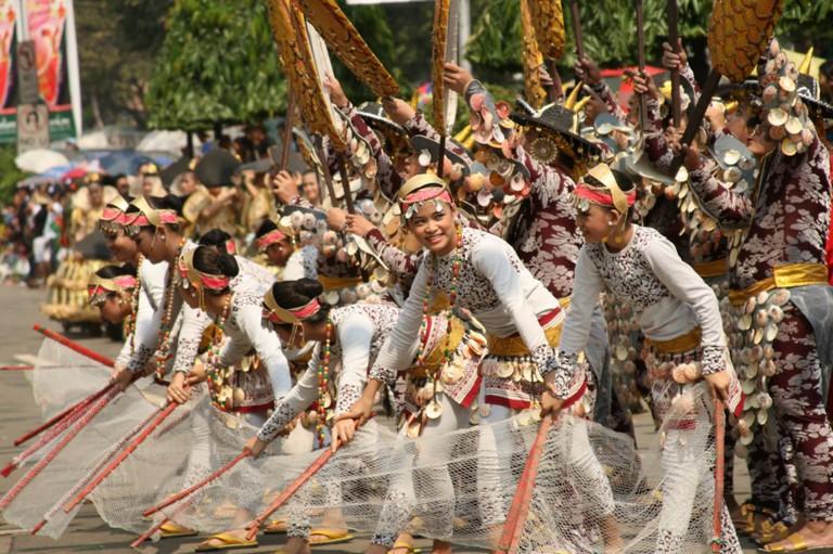 Sinulog parade   © Rio Calle / Flickr