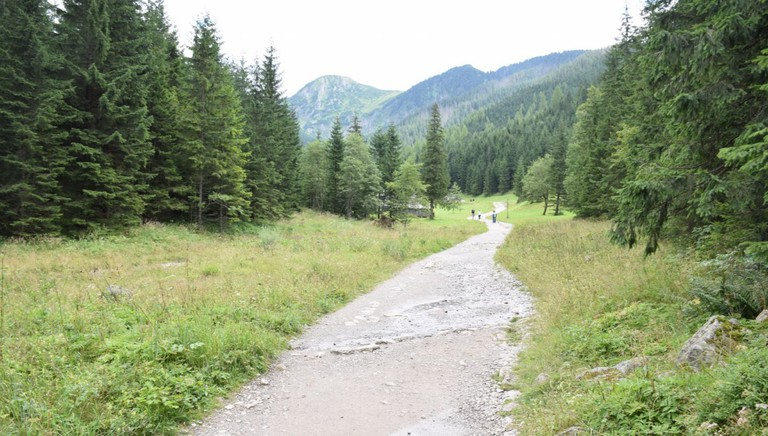 A hiking trail in the High Tatras | © LiveKrakow