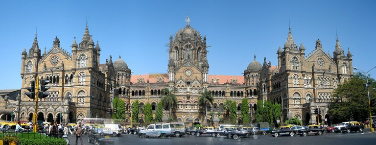Facade of Mumbai's Victoria Terminus | © fish-bone / Flickr
