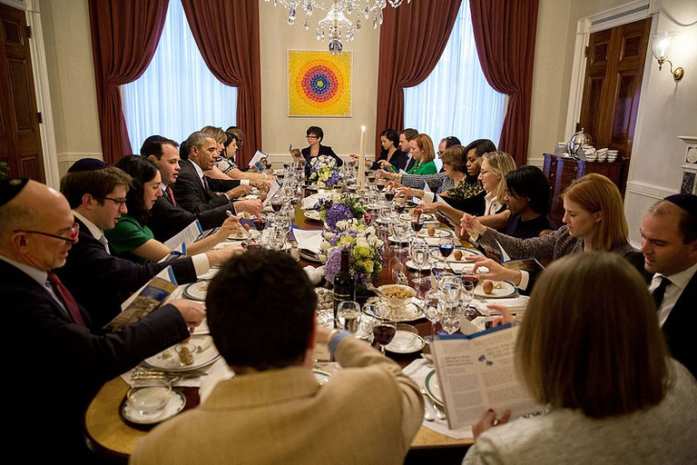 President Barack Obama and First Lady Michelle Obama host a Passover Seder dinner with friends and staff in the Old Family Dining Room of the White House, April 28, 2016. (Official White House Photo by Pete Souza)