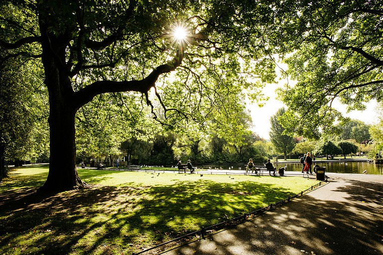 One of the many fine views in St Stephens Green | © Digital Eye / Wikimedia Commons