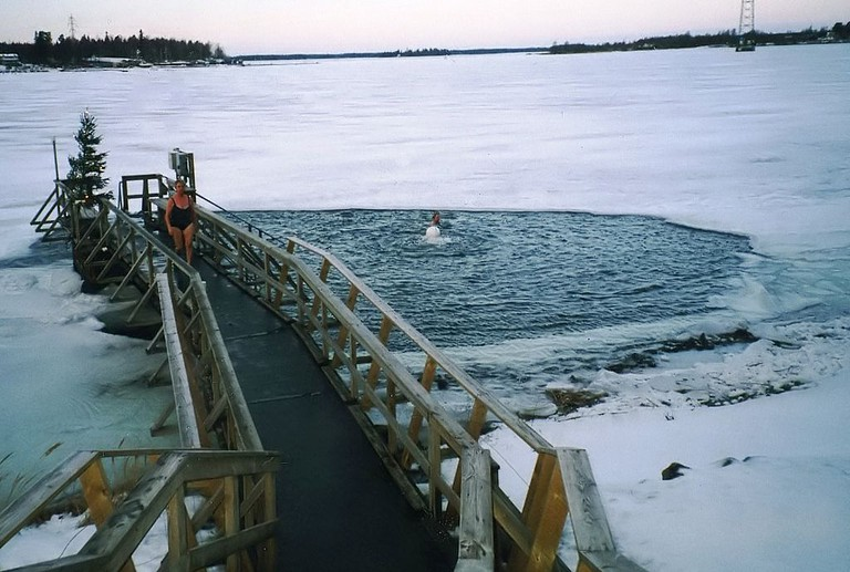 Winter swimming is popular in many countries | ©Geoff Jones / Wikimedia Commons