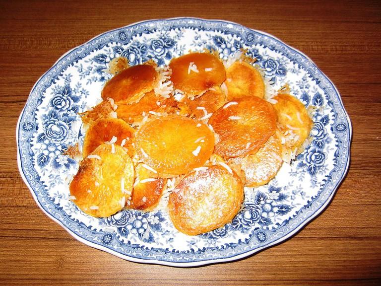 Potato tadeeg is a favorite | © MRG90 / Wikimedia Commons