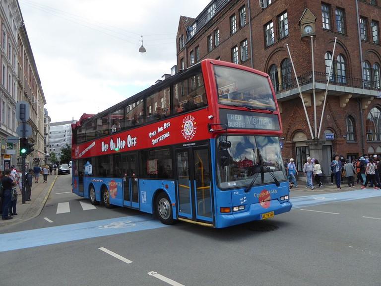 RedBlue Bus Tours   © Leif Jørgensen/WikiCommons