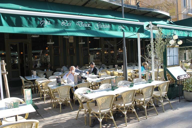 Les Deux Garçons Bar is an institution in Aix | © Connie Ma/Flickr