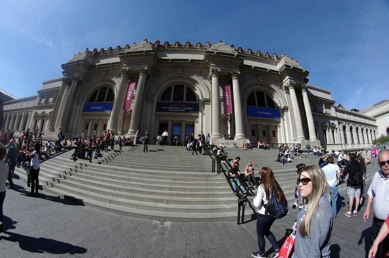 Mike Steele   Outside the Met   © Flickr