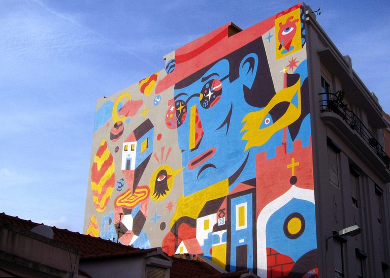 A building mural by AKACorleone © Bosc d'Anjou / Flickr