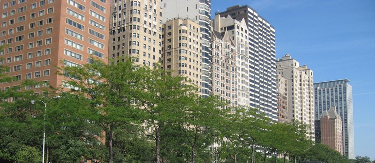 Lake Shore Drive Condos | © John Beagle/Flickr