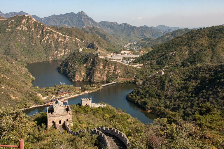 View on the barrage and the line of the Great Wall