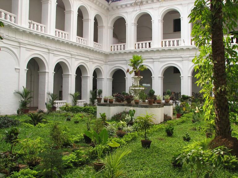 Courtyard of the Basilica of Bom Jesus | McKay Savage / Flickr