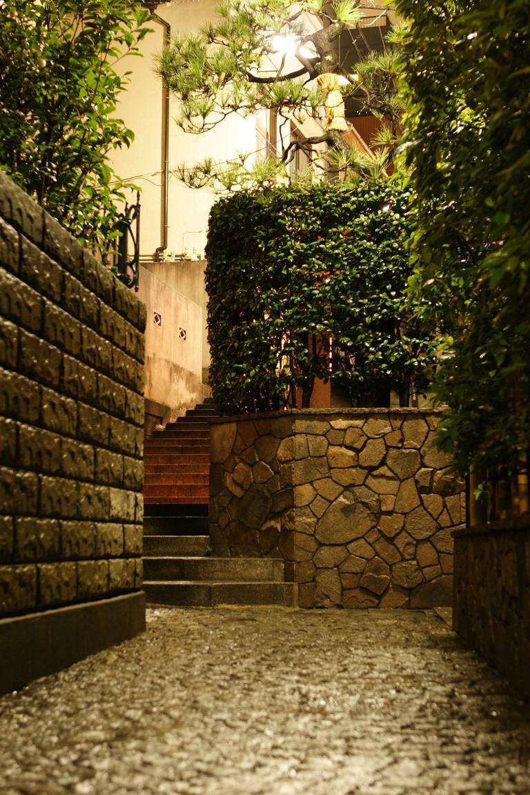 Kagurazaka's unique architecture | © mrhayata/Flickr