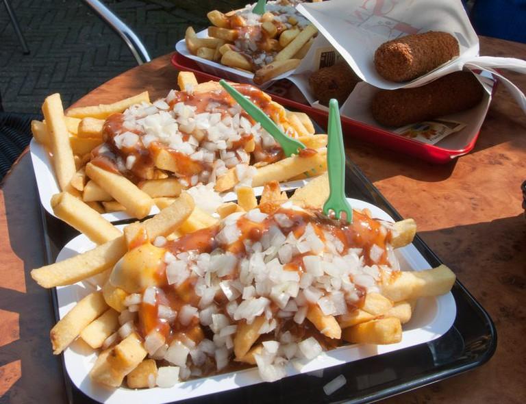 Fries and saté sauce a.k.a. Patat oorlog met kroket