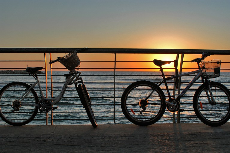 Cycling and sunsets in Tel Aviv | © Masa Israel Journey/Flickr