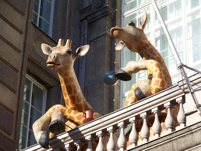 The giraffes outside the Natural History Museum/ William/ Flickr