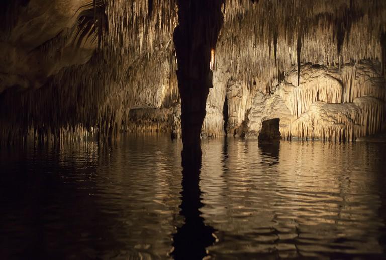 Underwater lake with pillar, Cuevas del Drach, Mallorca © Harry Metcalfe/Flickr
