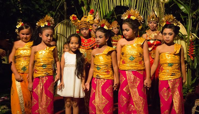 Young Balinese dancers | © Stefan Magdalinski / Flickr