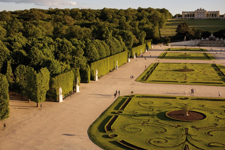 The park next door to the zoo | © Schönbrunn Palace Gardens© WienTourismus / Peter Rigaud