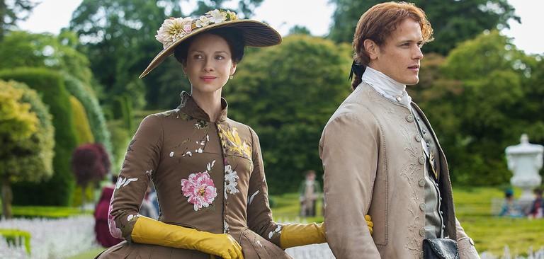 Caitriona Balfe and Sam Heughan in Season 2 of 'Outlander' | © Starz/Amazon