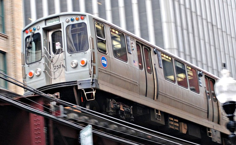 An elevated L train | © Cragin Spring/Flickr