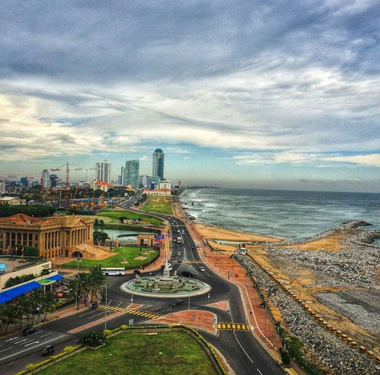 Colombo_city_view_from_Kingsbury_Sky_bar